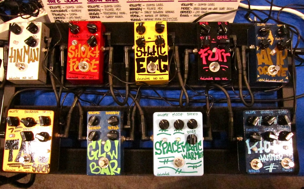 Holowon pedals
